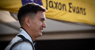 Porsche-Junior Jaxon Evans startet mit perfektem Start-Ziel-Sieg in die Saison