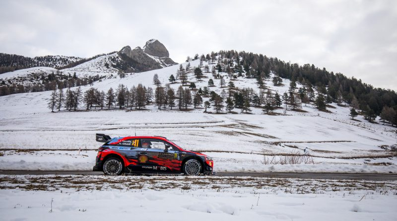 2020 FIA World Rally Championship Round 01 Rallye Monte-Carlo 22-26 January 2020 Day 2, Action, Thierry Neuville, Nicolas Gilsoul, Hyundai i20 Coupe WRC Photographer: Fabien Dufour Worldwide copyright: Hyundai Motorsport GmbH